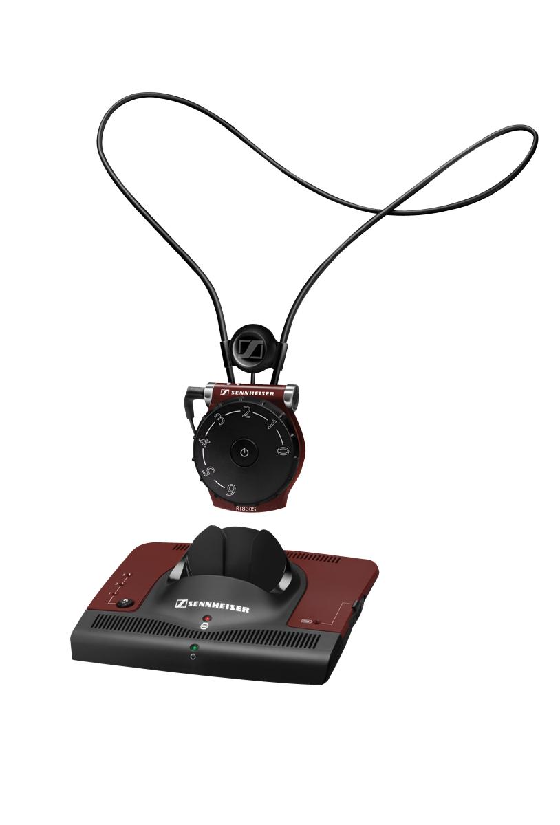 Le système d'écoute à infrarouge pour télé/audio Sennheiser 830S comprend un pendentif. Vous pouvez aussi ajouter votre propre casque si votre aide auditive n'a pas de position T.